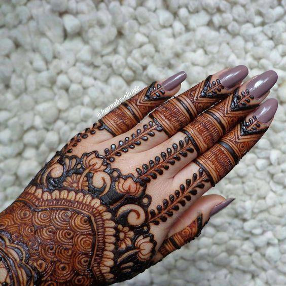 Back Hand Mehandi Design