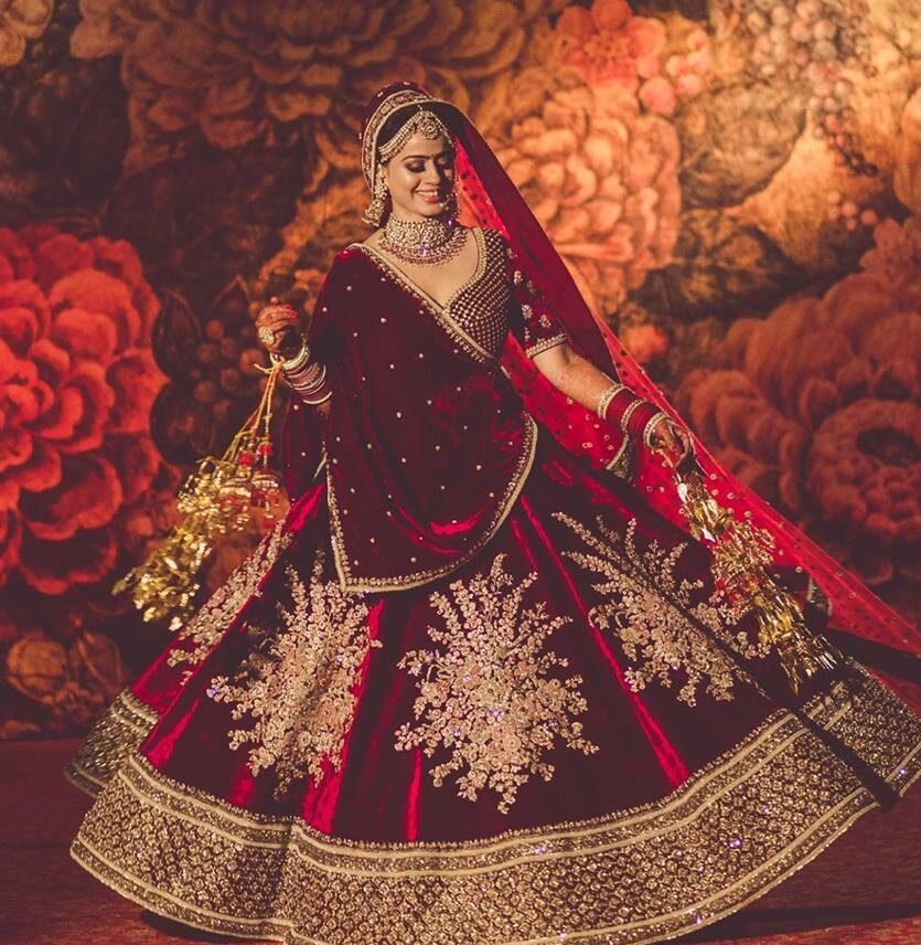 Sabyasachi lehenga | Weddings Junction